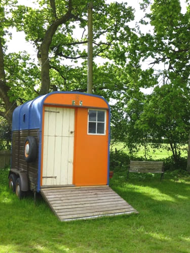 horsebox hut